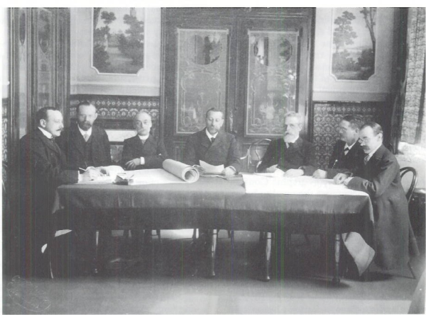 The founding meeting of GEBCO, in 1903, led by HSH Prince Albert I of Monaco. Image courtesy: Collection Musée océanographique de Monaco.