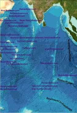 Displaying the GEBCO_08 Grid WMS in a GIS overlain with undersea feature names data